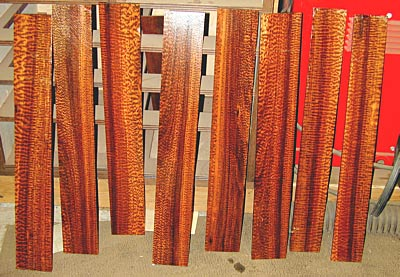 Описание: http://mastergitar.com/images/stories/theory/woodimage/snakewood-fingerboards.jpg